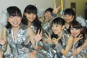 Iikubo Haruna,   Ishida Ayumi,   Katsuta Rina,   Sato Masaki,   Takeuchi Akari,   Wada Ayaka,
