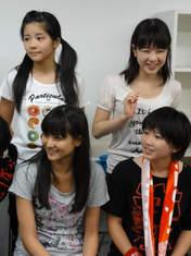 Nakanishi Kana,   Takeuchi Akari,   Tamura Meimi,   Wada Ayaka,