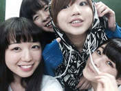Katsuta Rina,   Nakanishi Kana,   Takeuchi Akari,   Tamura Meimi,