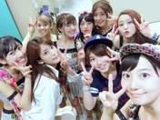 Arai Manami,   Furukawa Konatsu,   Kitahara Sayaka,   Mori Saki,   Saho Akari,   Satou Ayano,   Sekine Azusa,   Sengoku Minami,   Takeuchi Akari,   UpFront Girls,