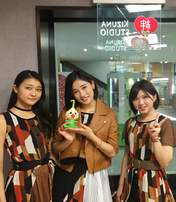 Sasaki Rikako,   Takeuchi Akari,   Wada Ayaka,