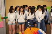 Hamaura Ayano,   Inoue Rei,   Kamikokuryou Moe,   Kasahara Momona,   Taguchi Natsumi,   Takeuchi Akari,   Wada Ayaka,   Wada Sakurako,