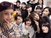 ANGERME,   Funaki Musubu,   Kamikokuryou Moe,   Kasahara Momona,   Katsuta Rina,   Kawamura Ayano,   Miyamoto Karin,   Murota Mizuki,   Nakanishi Kana,   Natsuyaki Miyabi,   Sasaki Rikako,   Takeuchi Akari,   Wada Ayaka,