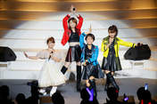 Ichii Sayaka,   Yaguchi Mari,   Yasuda Kei,   Yoshizawa Hitomi,