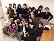 ANGERME,   Funaki Musubu,   Hirai Miyo,   Kamikokuryou Moe,   Kasahara Momona,   Katsuta Rina,   Kawamura Ayano,   Kiyono Momohime,   Kobayashi Honoka,   Maeda Kokoro,   Murota Mizuki,   Nakanishi Kana,   Okamura Minami,   Sasaki Rikako,   Satoyoshi Utano,   Takase Kurumi,   Takeuchi Akari,   Wada Ayaka,   Yamazaki Yuhane,