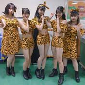 Hamaura Ayano,   Hirose Ayaka,   Inoue Rei,   Kobushi Factory,   Nomura Minami,   Wada Sakurako,