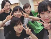Morito Chisaki,   Nonaka Miki,   Ozeki Mai,   Yamaki Risa,   Yanagawa Nanami,