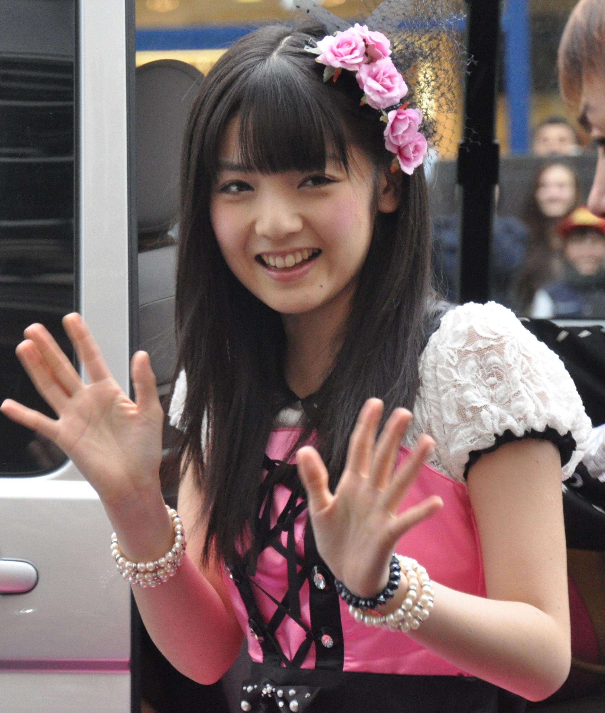 Is japanese necessary to H!P fans? (Momusu Paris Handshake Report)