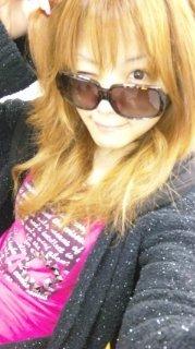 Blond Reina.jpg